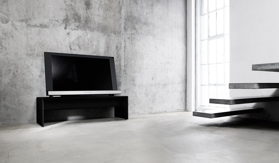 bang olufsen beovision 8 geek hype. Black Bedroom Furniture Sets. Home Design Ideas