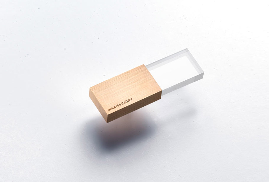 Transparent USB flash drive