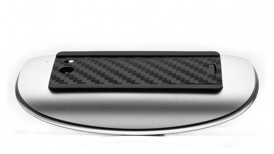 Image magic mouse carbon fiber 3 550x309   Carbon Fiber Magic Mouse