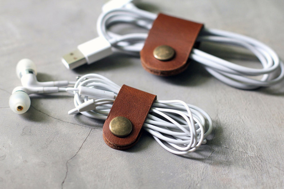 iPhone USB Leather Cable Band
