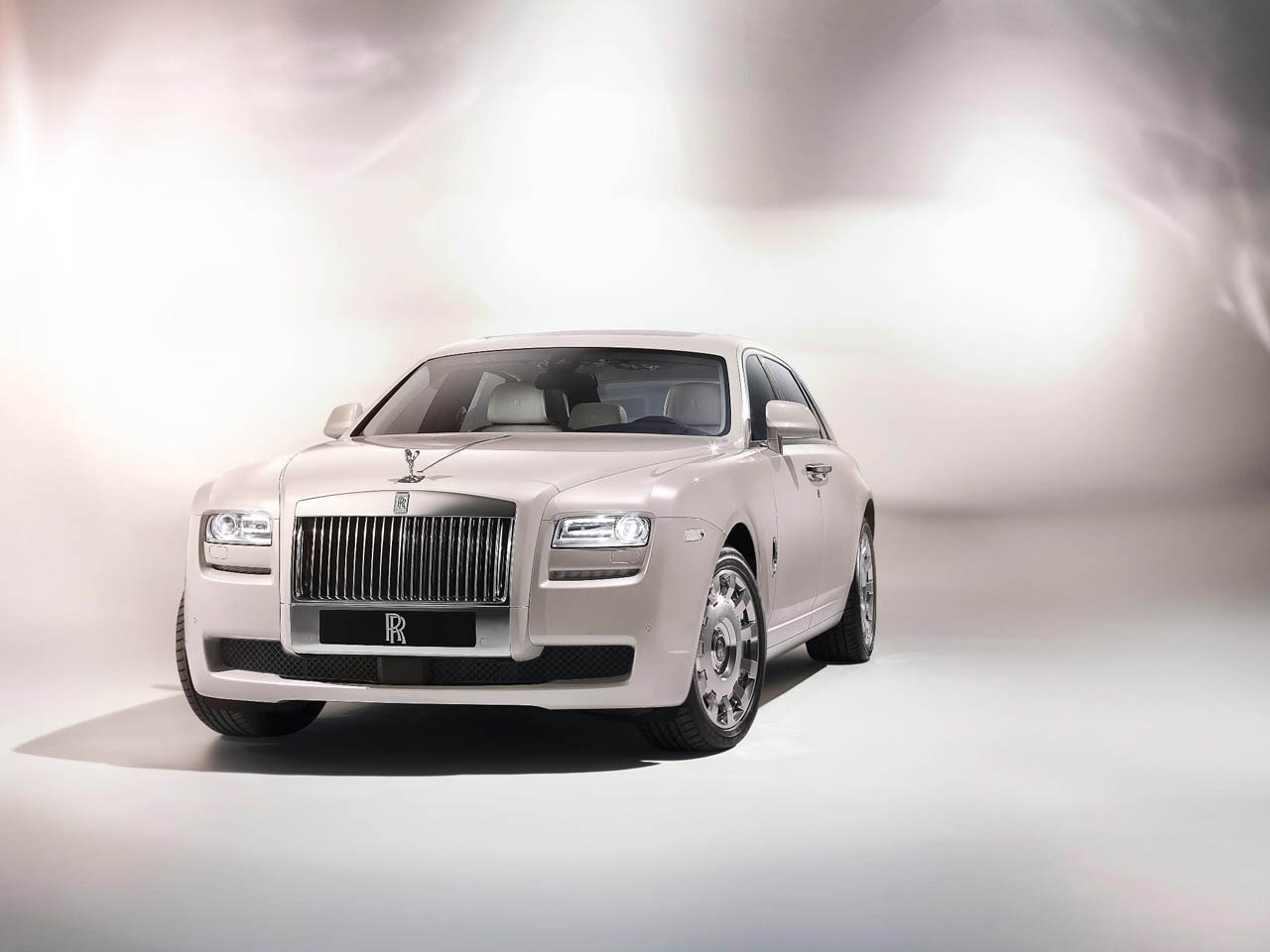 Rolls Royce Ghost Six Senses
