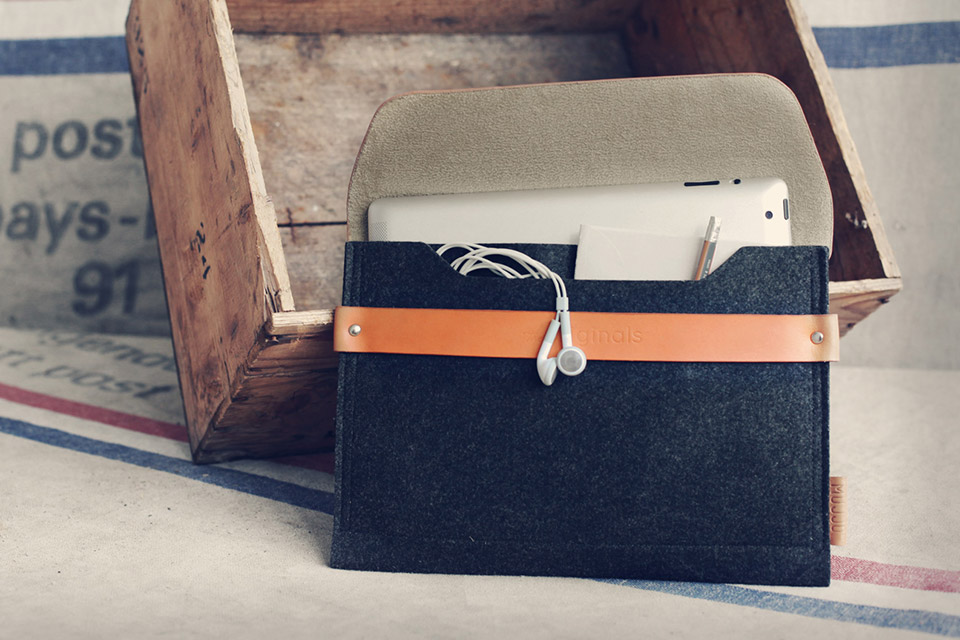 Mujjo leather iPad case