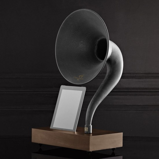 Image iphone ipad gramophone 2 550x550   Restoration Hardware Gramophone