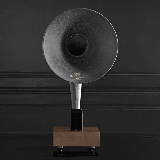 Image iphone ipad gramophone 4 550x550   Restoration Hardware Gramophone