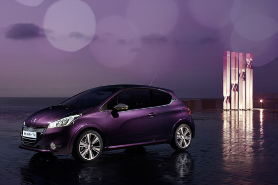 Peugeot 208 XY Purple Night photo