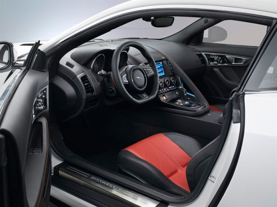 Jaguar F-Type R Coupé interior